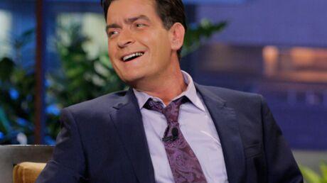 A 48 ans, Charlie Sheen vient d'obtenir l'équivalent du baccalauréat