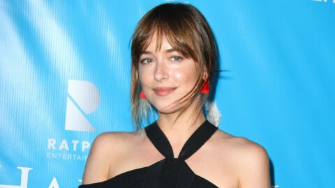PHOTO Dakota Johnson : coquine en culotte, elle montre ses fesses