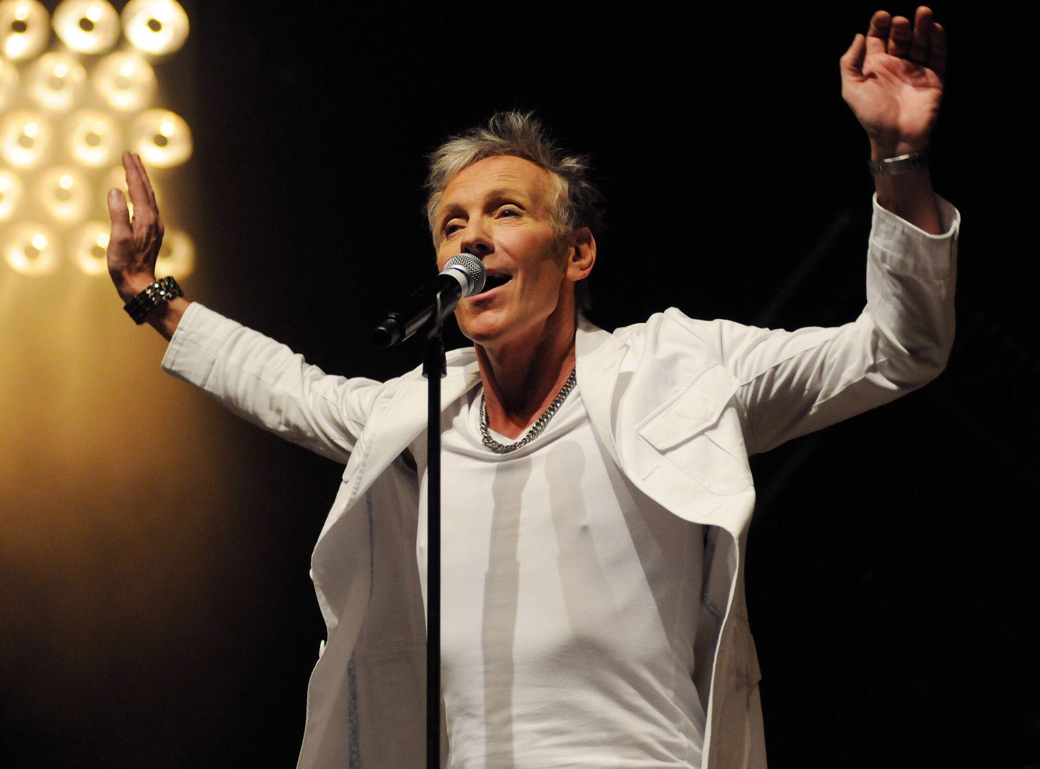 Plastic Bertrand : le chanteur révèle qu'il est médium