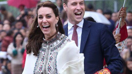 PHOTOS Kate et William s'essaient au tir à l'arc: c'est un échec mais eux-mêmes en rigolent!