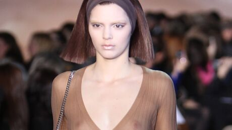 PHOTOS Fashion week: Kendall Jenner seins nus pour son premier défilé