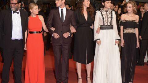 PHOTOS Cannes 2016: Lily-Rose Depp et Mélanie Thierry ultra-glamour pour la montée des marches du film La danseuse
