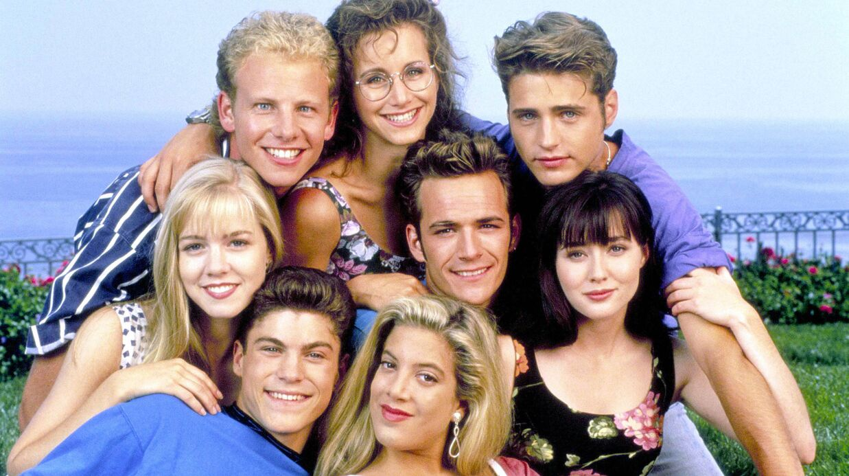 Beverly Hills: Kelly, Brandon, Donna… les acteurs réunis le temps d'une photo souvenir