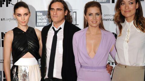 DIAPO Amy Adams vole la vedette à Olivia Wilde grâce à son décolleté