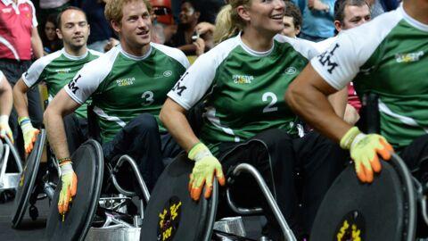 PHOTOS Le Prince Harry en fauteuil roulant pour la bonne cause