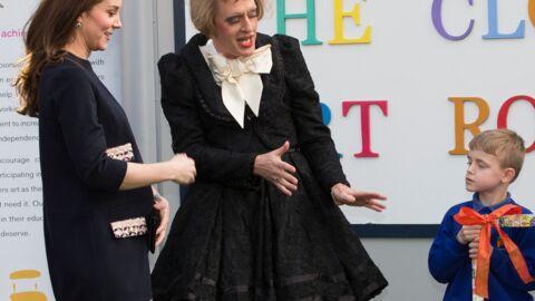 PHOTOS Kate Middleton affiche (enfin) un vrai ventre de femme enceinte!