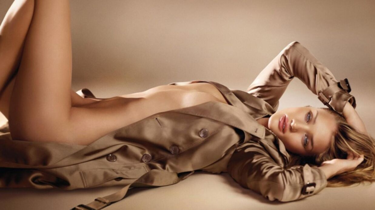 Rosie Hunting­ton-White­ley nue pour Burberry