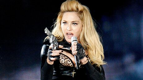 Madonna diffuse à nouveau le clip associant Marine Le Pen et croix gammée