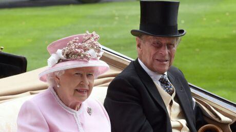 La reine Elizabeth s'offre une virée surprise au pub pour le plus grand plaisir des clients
