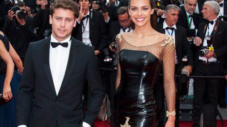 PHOTOS Marine Lorphelin et Bastian Baker, très complices sur le tapis rouge de Cannes