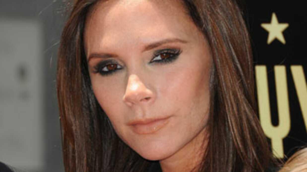 Eva Longoria critique une robe de Victoria Beckham