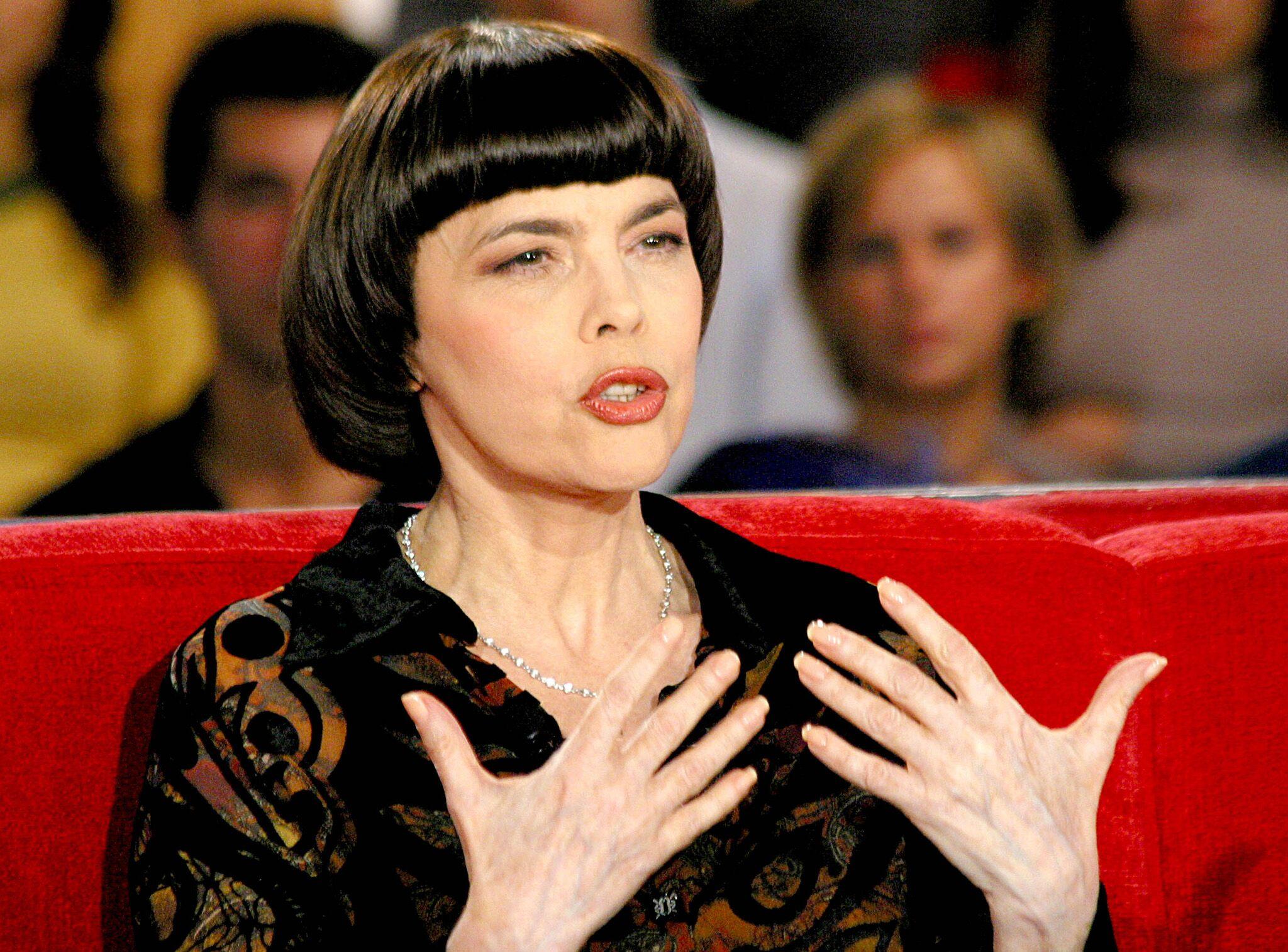 Mireille Mathieu Explique Pourquoi Elle Na Jamais Eu Denfants Voici