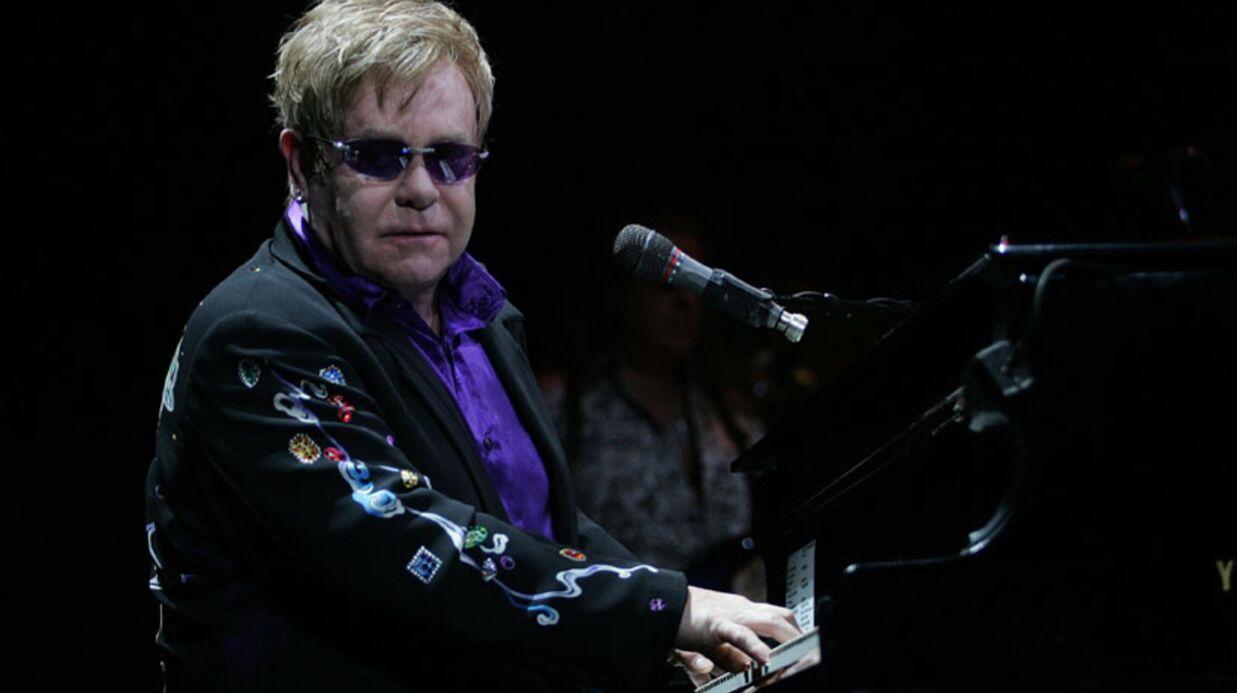 Le bassiste d'Elton John retrouvé mort