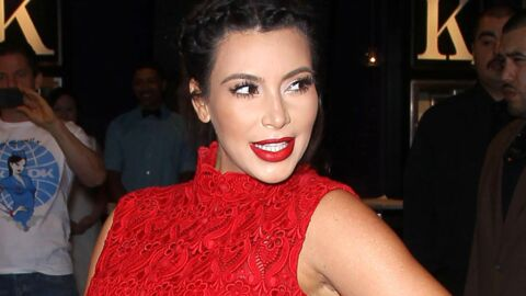VIDEO Kim Kardashian s'extasie devant le corps de sa sœur