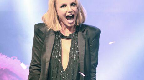 VIDEO Insultée par un spectateur, Britney Spears l'injurie le micro allumé