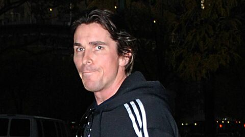 VIDEO Christian Bale malmené par les autorités chinoises