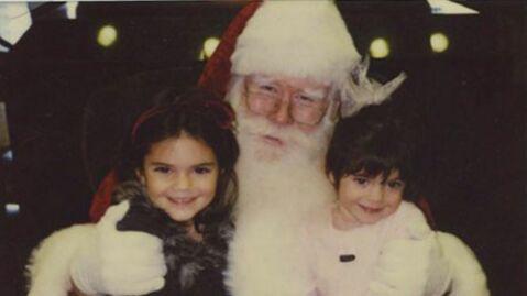 Devinette Qui sont ces deux adorables petites filles qui posent avec le Père Noël