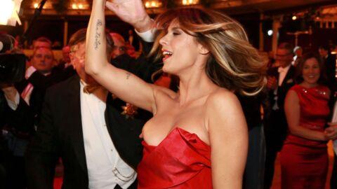 PHOTOS Elisabetta Canalis: son sein s'échappe de sa robe en dansant
