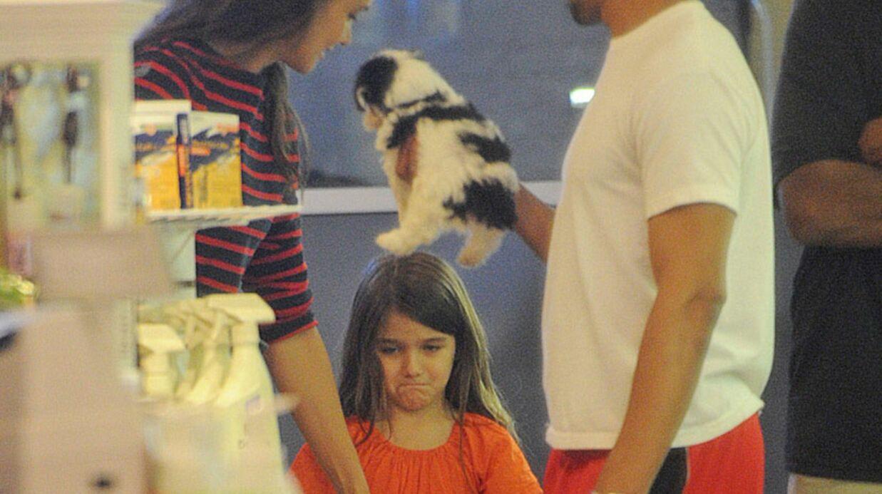 PHOTOS Katie Holmes: les larmes de Suri Cruise pour un petit chien