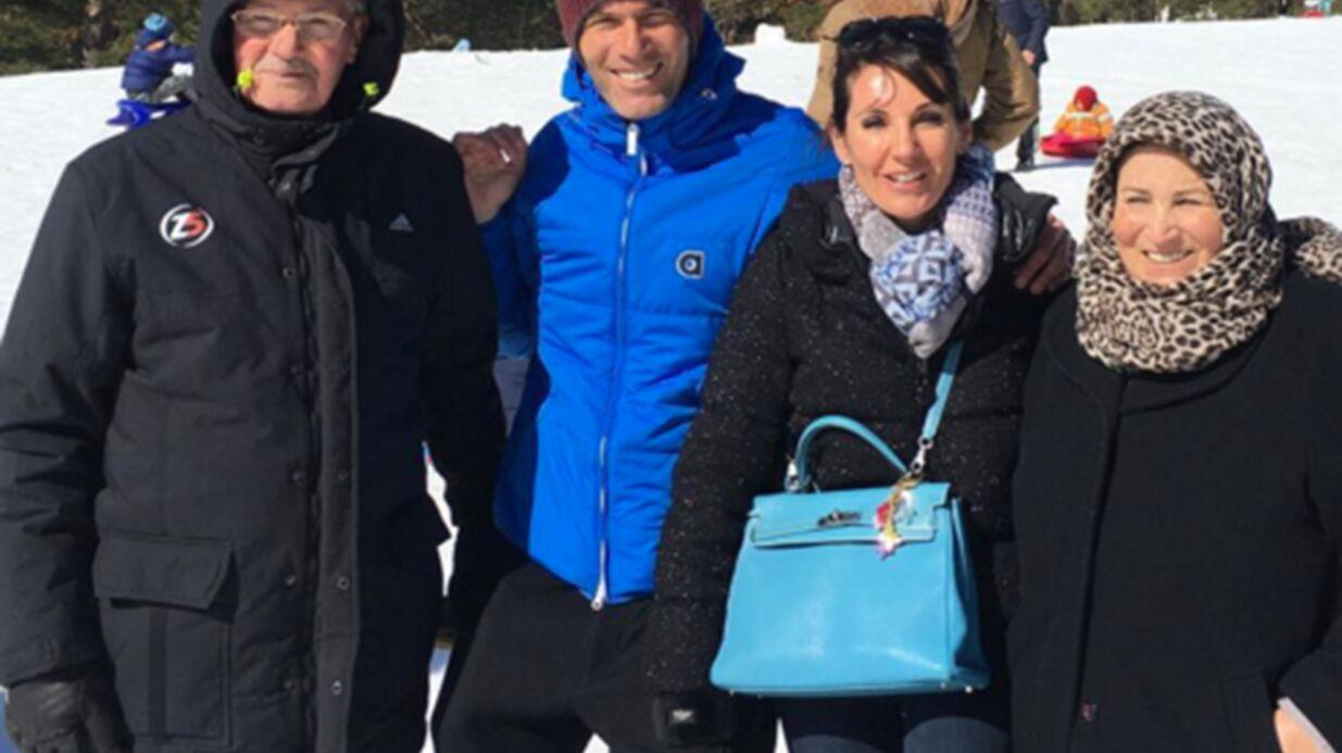 PHOTO Zinédine Zidane ravi d'être au ski avec sa femme et ses parents