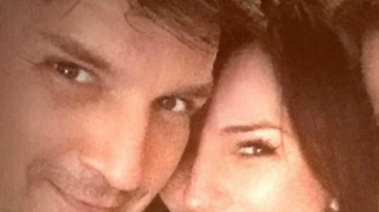 Nathan Fillion: le héros de la série Castle est en couple avec une ex de George Clooney