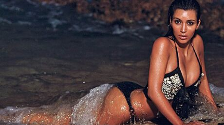 photos-kim-kardashian-tres-distinguee-dans-les-vagues-a-hawai