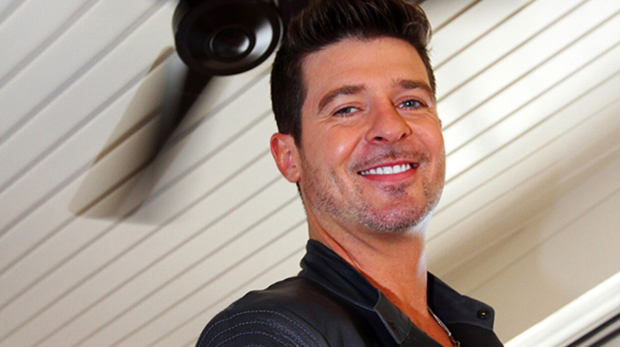 VIDEO Accusé de plagiat, Robin Thicke défend son Blur­red Lines