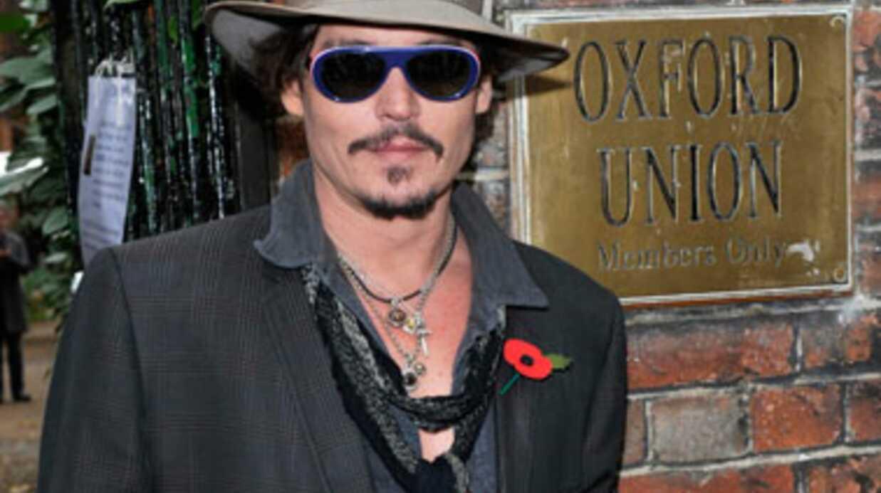 Johnny Depp traîné en justice par une femme handicapée