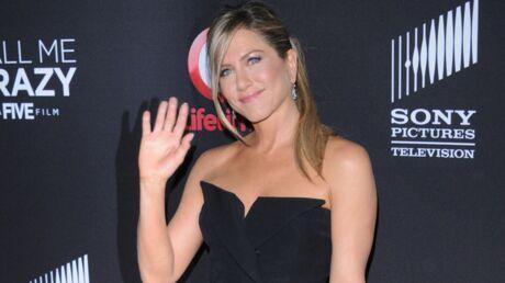 DIAPO Jennifer Aniston très sexy à l'avant première de Call me Crazy