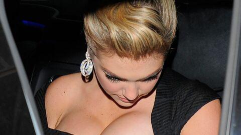 Kate Upton aime son imposante poitrine (finalement)