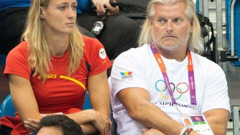 Philippe Lucas songe à se marier avec Camelia Potec, une ancienne nageuse qu'il entraînait