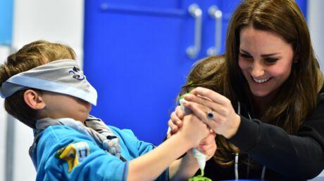 PHOTOS Kate Middleton s'éclate avec des scouts!