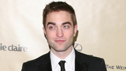 Robert Pattinson se rapproche (un peu trop) de Liberty Ross