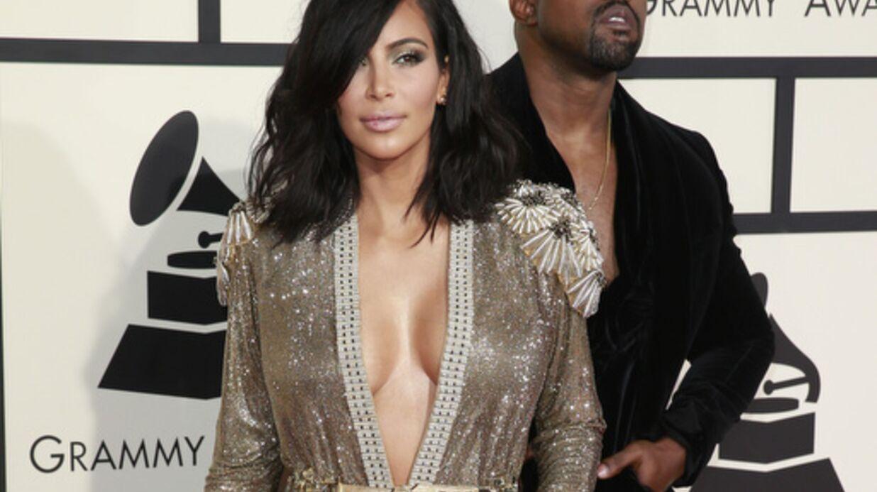 PHOTO Topless, Kim Kardashian dévoile son secret pour avoir un décolleté explosif