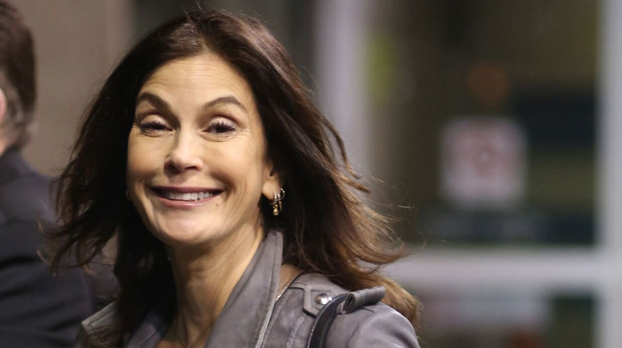 PHOTOS Teri Hatcher : l'étrange chan­ge­ment de visage de la star de Despe­rate House­wives