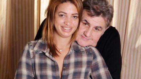 PHOTO Pierre Ménès pose avec sa compagne, Mélissa, pour la première fois