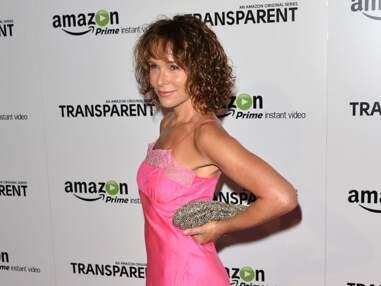 Jennifer Grey (Dirty Dancing) en nuisette cheap sur le tapis rouge
