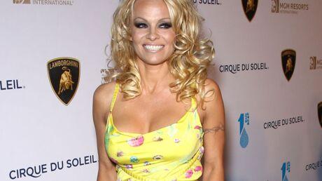 PHOTOS Pamela Anderson, plus sexy que jamais, pose nue en couverture d'un magazine