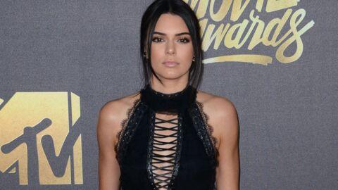 PHOTOS A Coachella, Kendall Jenner arbore un top transparent qui laisse  découvrir TOUTE sa poitrine 4efb91b0a4c0