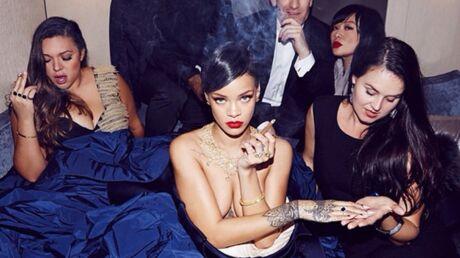 PHOTOS Rihanna pose à moitié nue au milieu de ses équipes