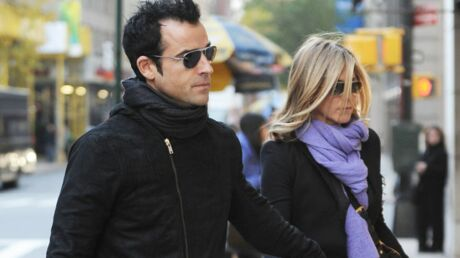Jennifer Aniston et Justin Theroux adoptent un chiot