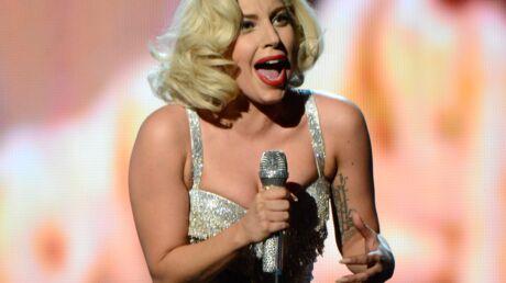 Lady Gaga mordue par un animal sur le tournage de son clip