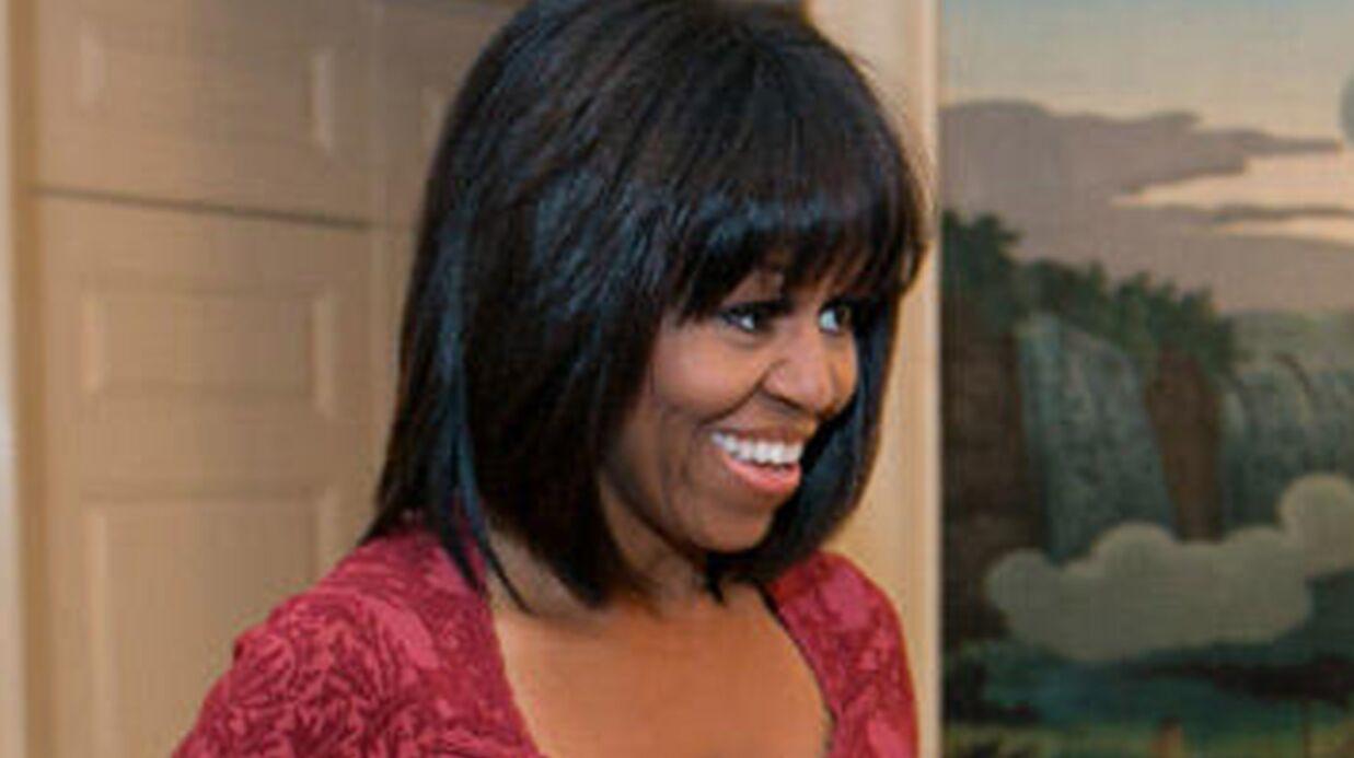 LOOK Michelle Obama craque pour la frange