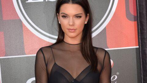Kendall Jenner: la top model laisse entrevoir son piercing bien caché…