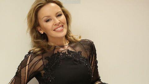 DIAPO Kylie Minogue très sexy dans une robe transparente