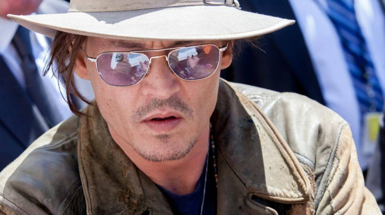 Johnny Depp collectionne les poupées Barbie