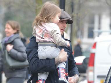 David Beckham se promène avec Harper à Londres