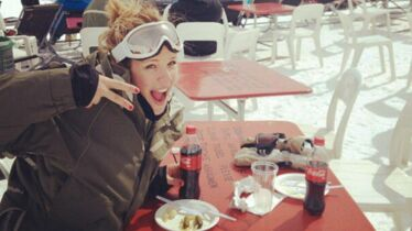 Au ski, elle oublie tout