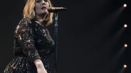 Adele craque sur scène, émue par son fils