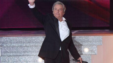 Alain Delon quitte le comité Miss France et règle ses comptes